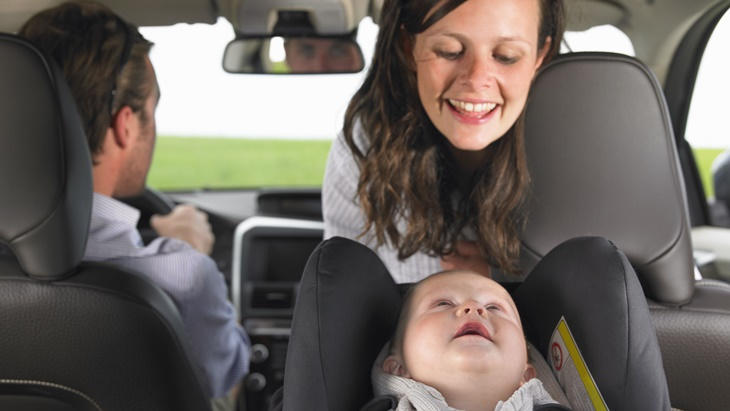 mother-watching-baby-in-car-seat-96390772-5b2ac4f18023b9003787e618